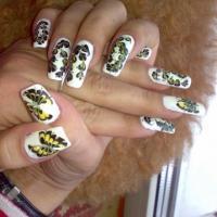 Простой и красивый рисунок на ногтях скачать
